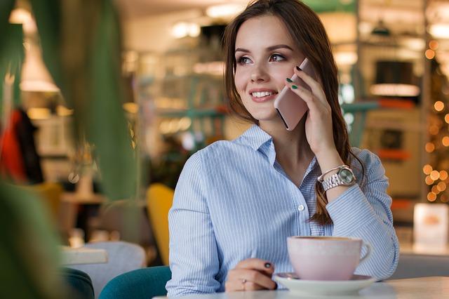 Mobiele markt in Nederland krimpt opnieuw in tweede kwartaal